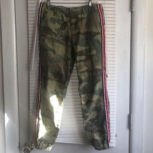Signature 8 camouflage army pants